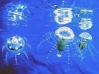 """""""Stáda"""" poměrně jednoduchých robotů jsou schopna řešit docela složité úkoly v porovnání s jediným takovým aparátem. To je hlavní myšlenka projektu """"medúza""""."""