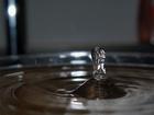 výroba balené vody jenom pro potřeby USA za poslední rok ze Země vycucala 34 až 54 milionů barelů oleje, celosvětový objem by mel byt asi třikrát větší, kapka za kapkou ..