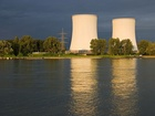 Jaderný reaktor je zařízení, ve kterém probíhá řetězová jaderná reakce, kterou lze kontrolovat a udržovat ve stabilním běhu (na rozdíl od jaderné exploze).