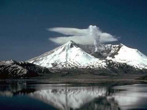 Hora St. Helens (anglicky Mount St. Helens), v českém prostředí též nesprávně nazývána Hora Svaté Heleny, je stratovulkán nacházející se v severní části Kaskádového pohoří ve státě Washington, USA, který je tvořen z lávy smíšené se sopečným prachem. Byla pojmenována po britském diplomatovi, lordu St Helens. Sopka je jedním ze 160 aktivních vulkánů z tzv. skupiny Pacifického kruhu ohně. Poslední známá erupce proběhla mezi lety 2004 až 2006.