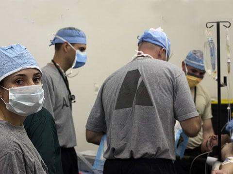 Jako první na světě provedli španělští chirurgové transplantaci kompletního orgánu, vypěstovaného z kmenových buněk pacienta