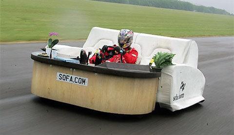 Marek uskutečňuje absolutní rekord rychlosti pro polstrovaný nábytek