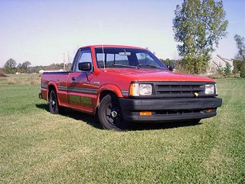 Mazda pickup z roku 1988 na elektrickém pohone