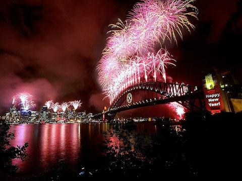 Ohňostroj je působivá světelná (a částečně také zvuková) show vytvářená pomocí odpalovaných pyrotechnických pomůcek při nejrůznějších příležitostech (v Česku především na Nový rok). Sydney, Silvestr 2007