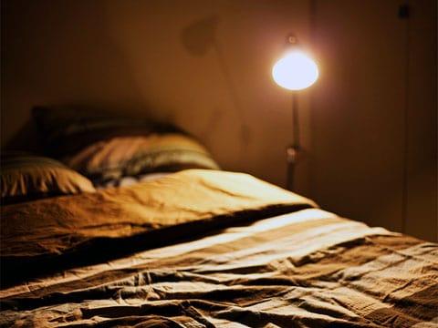 Spánek je útlumově-relaxační fáze organismu, při níž se snižuje či mizí funkčnost některých smyslů, snižuje se tělesná teplota, dýchání se zpomaluje a krevní tlak se snižuje.