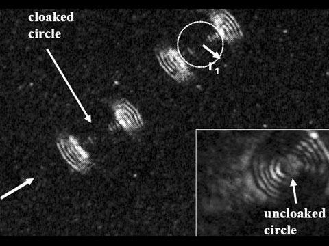 Vědci mohou objekty  zneviditelnit