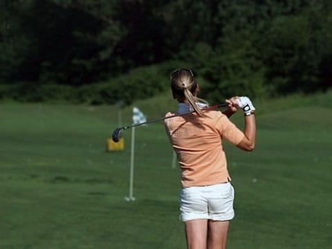 Zajímavé, že mezi organizacemi, které podporují nový výzkum, je i golfová asociace.